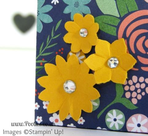 Stampin' Up! UK Demonstrator Pootles - 6x6 Paper Box Bag Tutorial Boho Blossoms Punch Detail